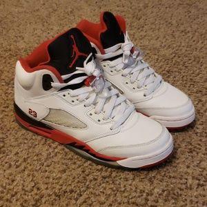 "Air Jordan 5 Retro ""Fire Red"" 2013"